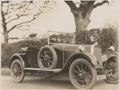 Sir Keith and Lady Smith in an automobile, approximately 1924
